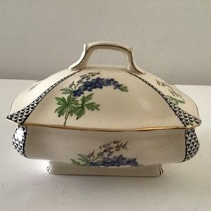 GRIMWADES ROYAL WINTON ENGLAND LIDDED CONTAINER